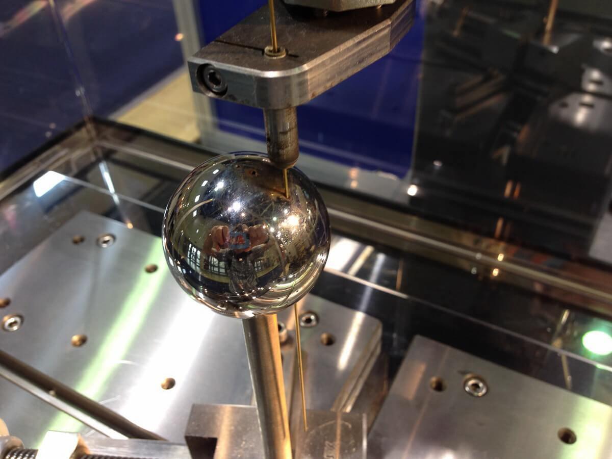 электроэрозионный способ обработки поверхностного слоя металла 1
