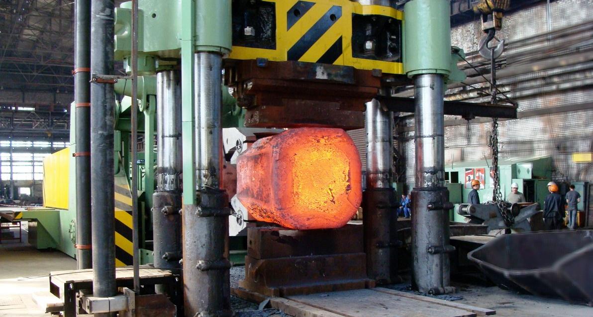 раскаленный метал ковка машинным способом