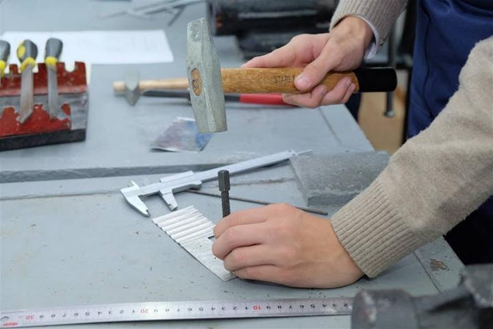 приспособления для рубки металла