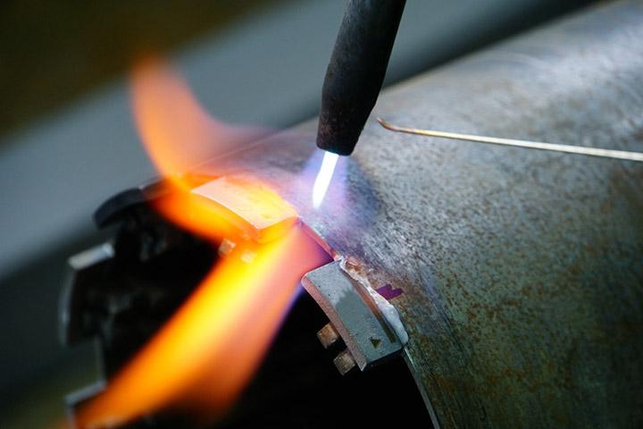 на какой полярности варить тонкий металл